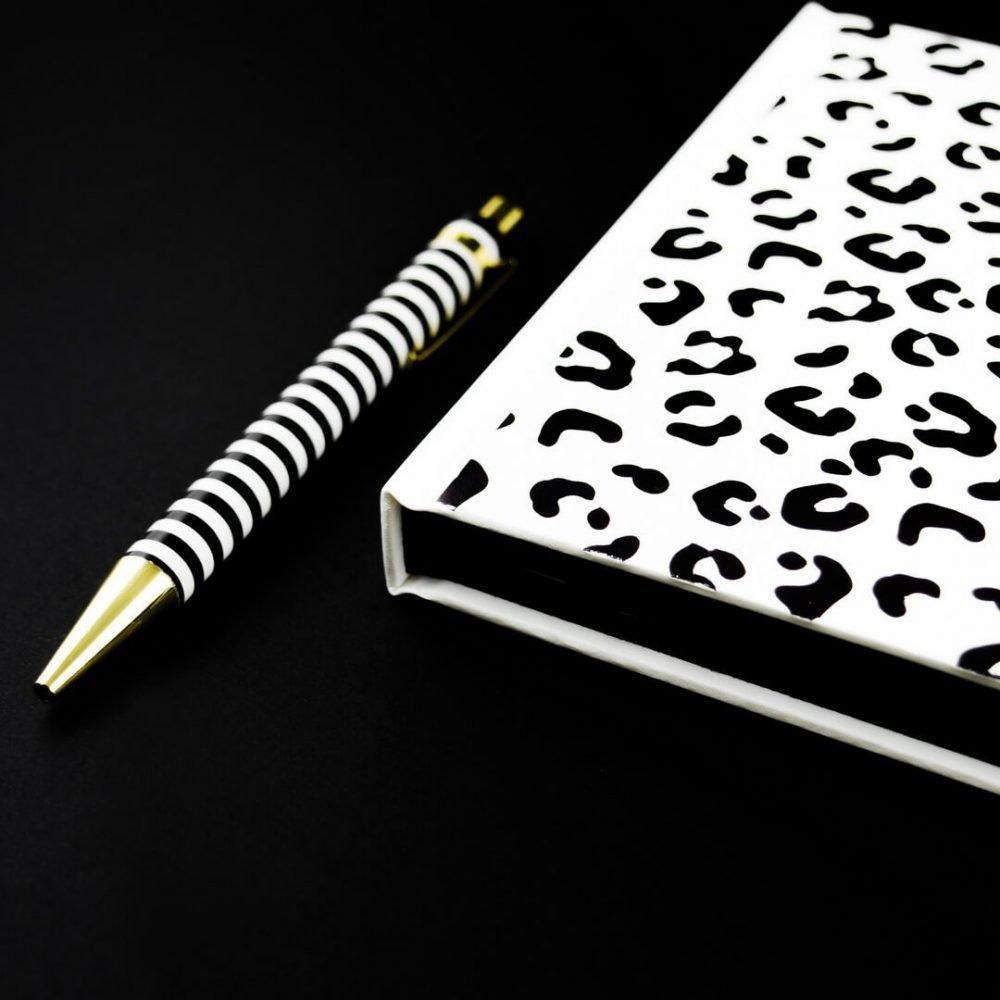 agenda-black-and-white-leopard-1